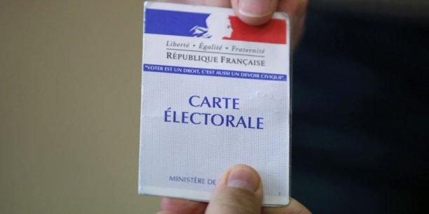 A 17 heures, la participation était de 52,36% selon la place Beauvau.