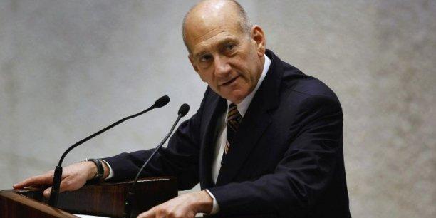 Ehud Olmert et certains employés de la ville de Jérusalem ont reçu des pots de vin en échange de la levée d'obstacles administratifs à un projet immobilier appelé Holyland.
