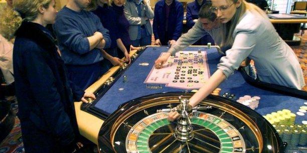 Et un Français sur quatre est considéré comme un joueur actif, c'est-à-dire qu'il joue au moins 52 fois dans l'année ou mise plus de 500 euros dans l'année. (DR)