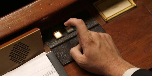 Manuel Valls a écrit aux parlementaires de sa majorité pour préciser sa politique sur les économies demandées