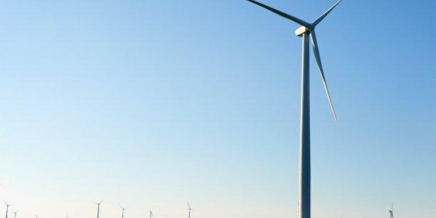 Dans son cas de référence à 100%, l'étude répartit la consommation d'énergie entre 63% d'éolien, 17% de solaire, 13% d'hydraulique et 7% de géothermie et thermique renouvelable.