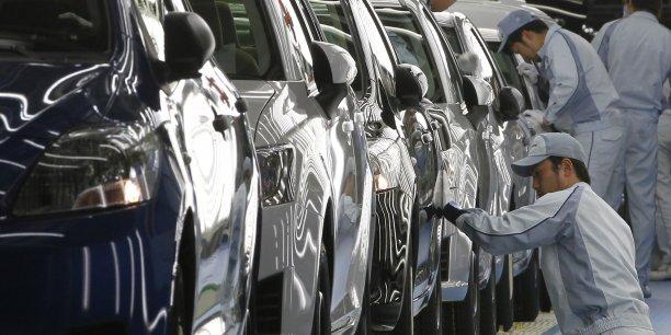 En remplaçant ses robots par des êtres humains sur 100 postes de travail, Toyota a réduit ses gaspillages de 10% dans la production de vilebrequins. (Photo : Reuters)