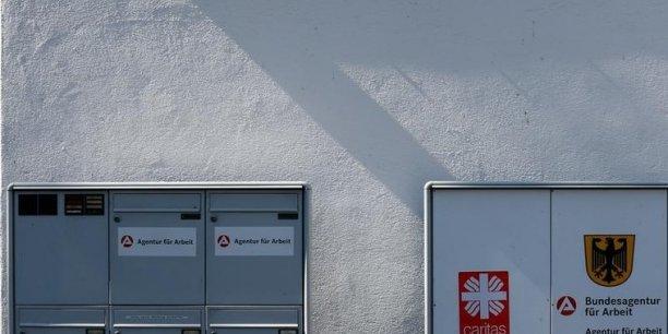 Une agence pour l'emploi en Allemagne. Le salaire minimum portera-t-il la croissance outre-Rhin ?