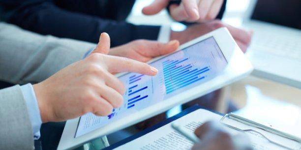 Les banques traditionnelles ont su développer des services bancaires sur Internet très proches de ceux proposés par les banques 100% en ligne, selon Panorabanques.com. REUTERS.