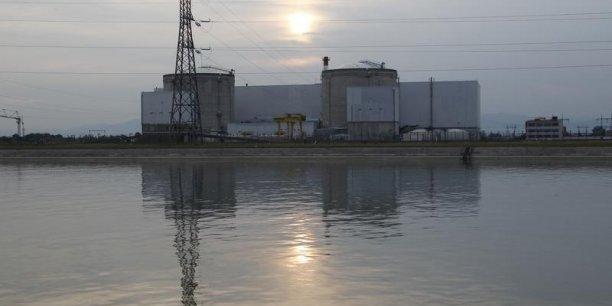 Le projet de loi de transition énergétique présenté le 18 juin par la ministre de l'Environnement, Ségolène Royal a confirmé la fermeture de la centrale de Fessenheim, dont les deux réacteurs de 900MW sont en service depuis 1977. (Photo: Reuters)