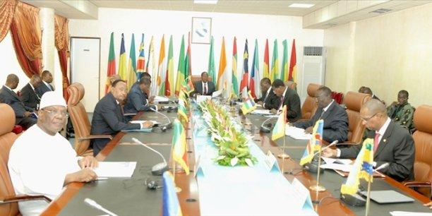 Réunion du Conseil des ministres de l'OHADA, le 18 octobre 2013 à Ouagadougou.