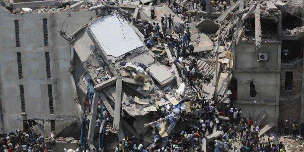 L'immeuble Rana Plaza, au Bangladesh qui s'est écoulé le 24 avril 2013, faisant plus de 1 100 mort.