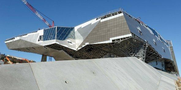 Le musée des Confluences ouvrira en décembre 2014. Les visiteurs pourront se restaurer avec la cuisine des grands chefs lyonnais Jean-Paul Pignol et Guy Lassausaie.