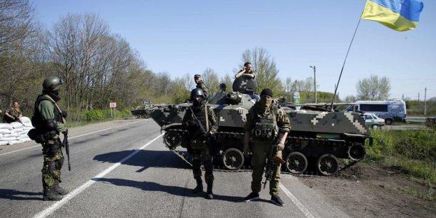 Kiev n'a pas suspendu son opération antiterroriste malgré les menaces russes. Reuters