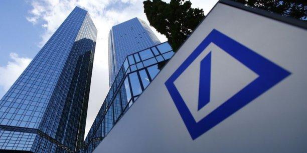 Deutsche Bank a déjà dû verser une amende de 725 millions de dollars à la Commission européenne en décembre 2013 dans cette affaire.