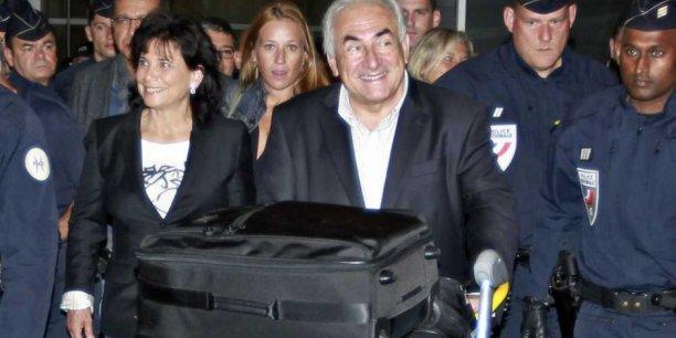 Anne Hommel (au second plan sur la photo) a conseillé le couple DSK Anne Sinclair lors de l'affaire du Sofitel de New York en 2011. / Reuters