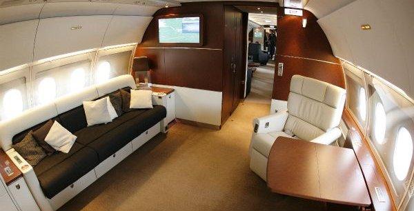 Cabine luxueuse d'un Airbus A318 Elite pour milliardaires. / Reuters