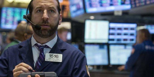 Lors du précédent record de mars 2000, la bulle avait fini par imploser. l'indice avait perdu la moitié de sa valeur moitié durant les mois suivants, pour finir l'année 2000 sous les 2.500 points.