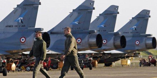 A l'occasion de la bataille budgétaire entre Bercy et le ministère de la Défense, la Grande Muette s'est mobilisée face aux nouvelles coupes exigées par Bercy. /Reuters