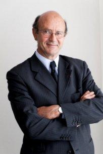 Président de la fédération Unicancer, directeur de l'Institut Bergonié (Bordeaux), le professeur Josy Rieffers est le président de Matwin depuis sa création.