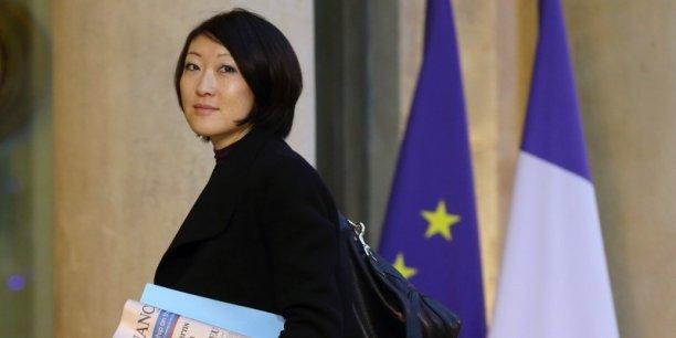 La Secrétaire d'Etat au Commerce extérieur a appelé lundi à rendre public le mandat de négociation des commissaires européensdont certaines versions ont fuité sur Internet.
