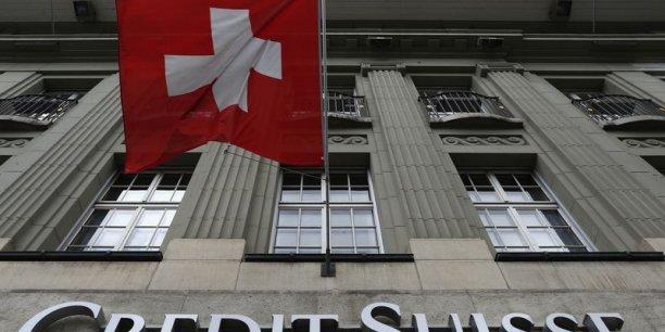 Credit Suisse aurait abrité les comptes de plus de 22.000 clients américains, d'un montant total de 10 à 12 milliards de dollars, dont une bonne partie non déclarés, selon un rapport du Sénat américain.
