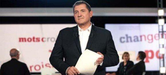 Yves Calvi, animateur de l'émission Mots croisés sur France télévision. / DR