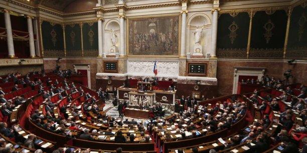 l'examen du budget rectificatif va donner lieu à une bataille entre le gouvernement et une partie... du PS