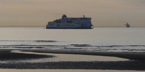 Jugeant excessif le niveau de concurrence dans le transport transmanche, la justice britannique a donné six mois à MyFerryLink pour cesser d'opérer.