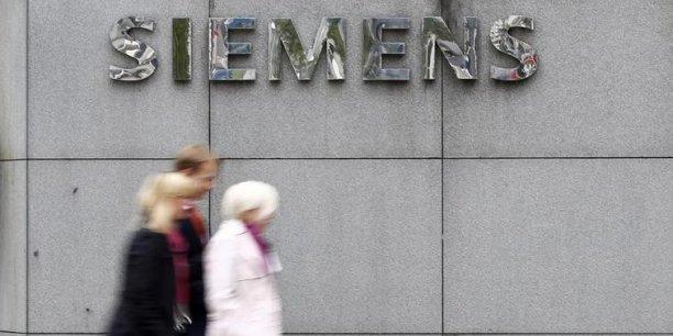 Siemens a la préférence d'Arnaud Montebourg depuis le début mais le ministre a rappelé qu'il fera passer les intérêts français avant tout. (Photo : Reuters)