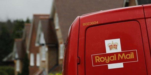 la Cour des comptes britannique avait déjà accusé le gouvernement britannique de ne pas avoir vendu ses titres Royal Mail assez cher. (Photo : Reuters)