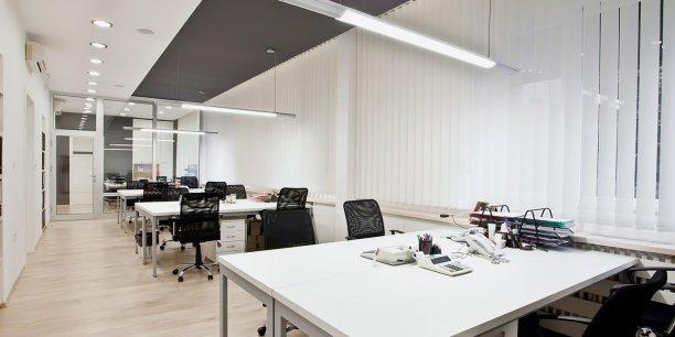 L open space un espace de travail pour gens civilis s for Type de bureau de travail