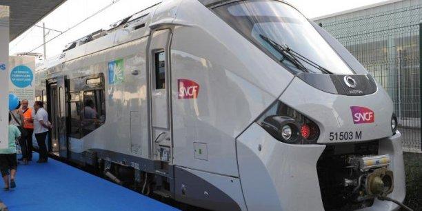 La SNCF et le gestionnaire d'infrastructure RFF ont remis au secrétaire d'État le rapport d'enquête que celui-ci leur avait demandé mercredi. Reuters