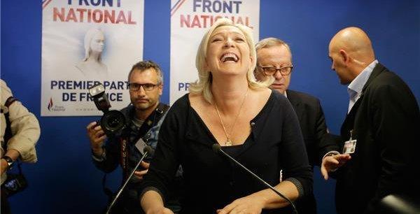 Marine Le Pen, dimanche au QG du Front National. / Reuters