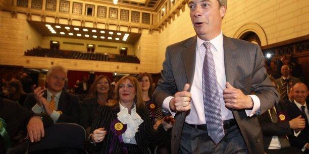 Le succès de Nigel Farage, chef de file de l'Ukip, parti eurosceptique britannique, est largement commenté dans la presse européenne. (Photo: Reuters)