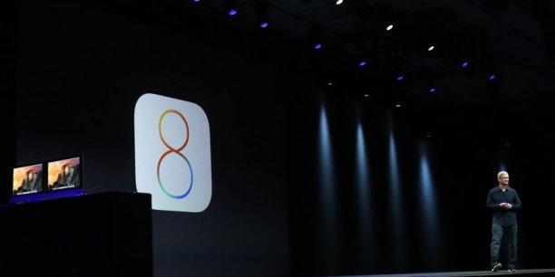 Tim Cook, le patron d'Apple, présentait lundi soir la prochaine version du système d'exploitation pour iPad et iPhone, entre autres (photo Reuters).