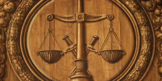 Notre culture politique et administrative valorise cette règle générale applicable à tous et à toutes les situations. C'est la primauté donnée à la loi, expression de la volonté générale et construction qui se veut globale et définitive. | REUTERS