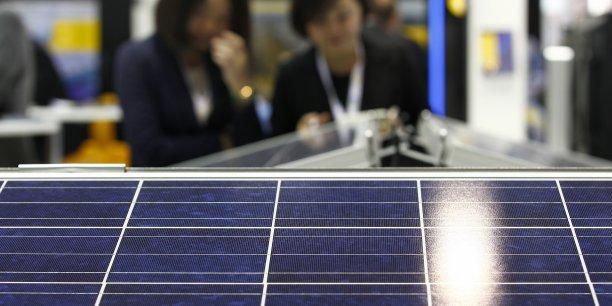 EU ProSun parle de violation massive de l'accord commercial conclu à l'été 2013 entre le commissaire européen au Commerce, Karel De Gucht, et les autorités chinoises, qui imposait un prix plancher aux panneaux solaires chinois. | Reuters