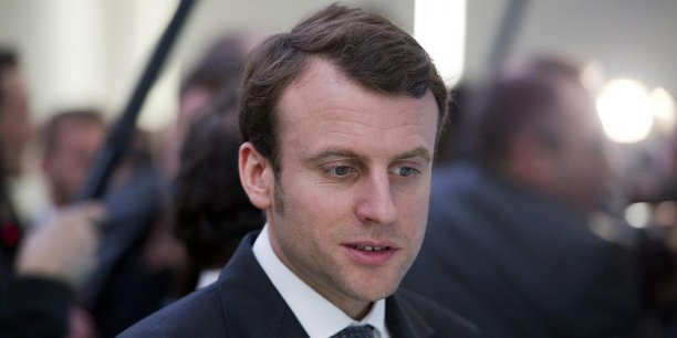 Les rapports de François Hollande et Emmanuel Macron, ex- Mozart de la finance après des débuts fulgurants dans le secteur bancaire, s'étaient distendus depuis la nomination de Manuel Valls à Matignon.  | REUTERS