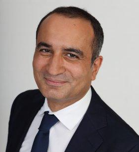 Pour l'économiste et homme politique Kamal Benkoussa, l'Algérie reste une chasse gardée de la France. Pourtant, selon lui, une plus grande ouverture à d'autres partenaires lui permettrait de mieux se développer. (Photo : Reuters)