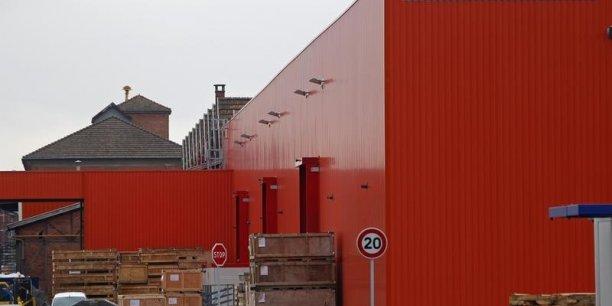 En s'alliant à MHI, Siemens tente de contrer son concurrent américain General Electric, qui a déjà mis sur la table 12,35 milliards d'euros pour le pôle énergie d'Alstom. /Reuters