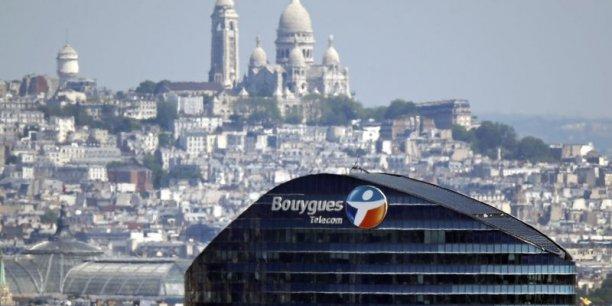 Dans le cadre du plan d'économies, les salariés de Bouygues Telecom quitteront leur siège d'Issy-les-Moulineaux, la Tour Sequana, en juin pour rejoindre le Technocentre de Meudon-la-Forêt/Vélizy.
