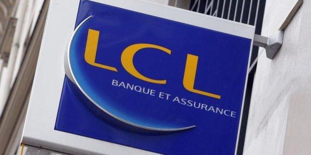 L'ex-Crédit Lyonnais a également prévu de fermer 240 agences en quatre ans.