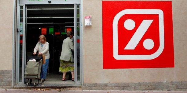 A terme, le groupe Carrefour veut garder 642 magasins Dia sur les 800 acquis fin novembre 2014.