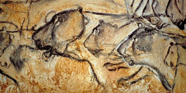 Fresque de lionnes en chasse dans la grotte Chauvet © DRAC Rhône Alpes