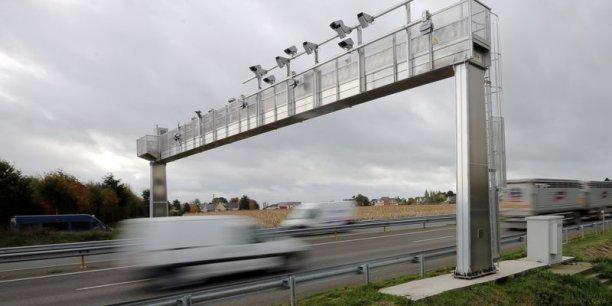 Dans le nouveau dispositif remplaçant l'Ecotaxe, seuls les poids lourd de plus de 3,5 tonnes seront concernés, et sur un réseau de 4 000 kilomètres de routes au lieu de 15 000. (Photo : Reuters)