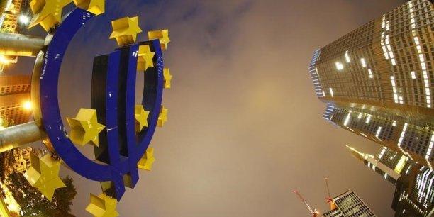 La BCE ne remontera pas ses taux avant que la croissance revienne à 2 %. | REUTERS