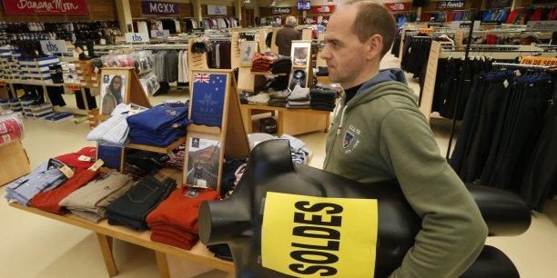 Soldes   comment les magasins se débarrassent des invendus   0f86eebca24