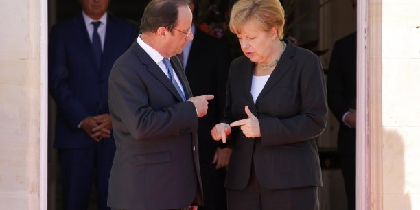 François Hollande entend convaincre Angela Merkel d'agir