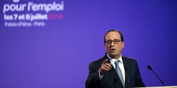 François Hollande a affirmé avec force que le dialogue social ne pouvait pas être une perpétuelle surenchère.  Cette méthode (du dialogue social) a ses exigences. Elle suppose le respect des partenaires. Chacun doit être à sa place, en même temps, rassemblés pour agir , a-t-il déclaré, sans citer les organisations syndicales.