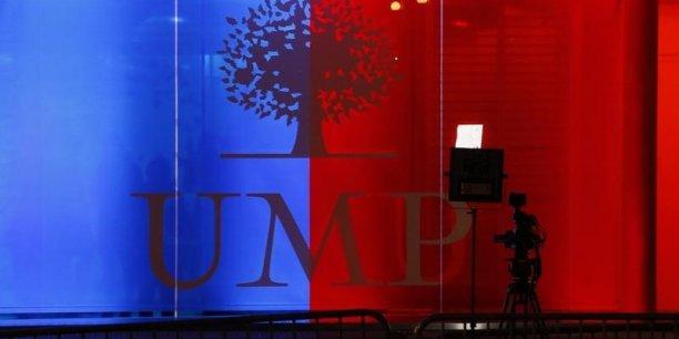 Les adhérents de l'UMP votent pour élire leur nouveau président