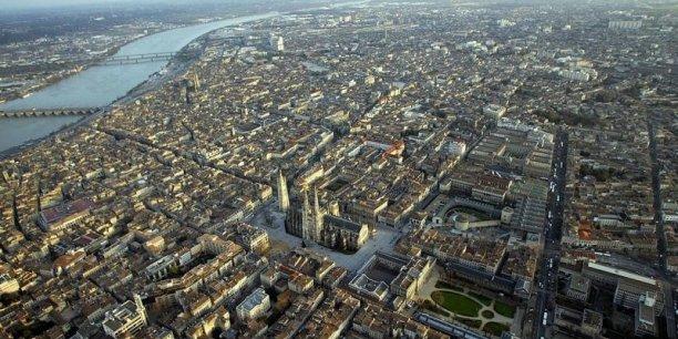 Selon une enquête de l'Association pour l'emploi des cadres, la Nouvelle Aquitaine (avec sa capitale Bordeaux) est  considérée comme la région française la plus attractive pour les cadres.