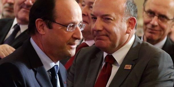 Les signataires de la lettre, dont le président du Medef, Pierre Gattaz, espèrent que ces mesures d'urgence soient soutenues par l'ensemble des partis politiques, dans un esprit de mobilisation générale contre le chômage.