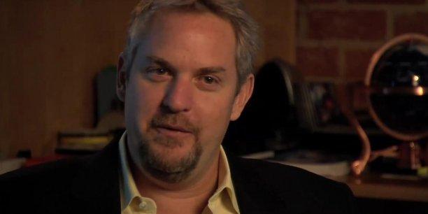 En tant que membre de la Food and drug administration (FDA) l'agence de contrôle sanitaire américaine, Andrew Conrad a supervisé la validation d'un système de détection du VIH. (Capture d'écran d'une vidéo de la chaîne Youtube SU2C)
