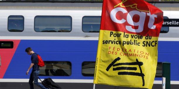 La SNCF évalue à 208 millions d'euros le chiffre d'affaires perdu à cause de la grève et estime que, sans cela, sa croissance aurait été de 2,1%. (Reuters)